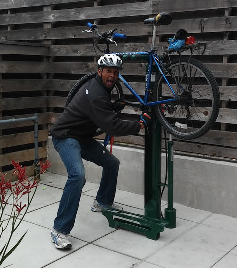 Beginning bike mechanics workshop berkeley bike east bay that can be made using just a simple multi tool no bike required but you are welcome to bring yours to try out the fixit stand yourself after class solutioingenieria Images